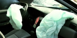 airbags are most likely to cause injuries to
