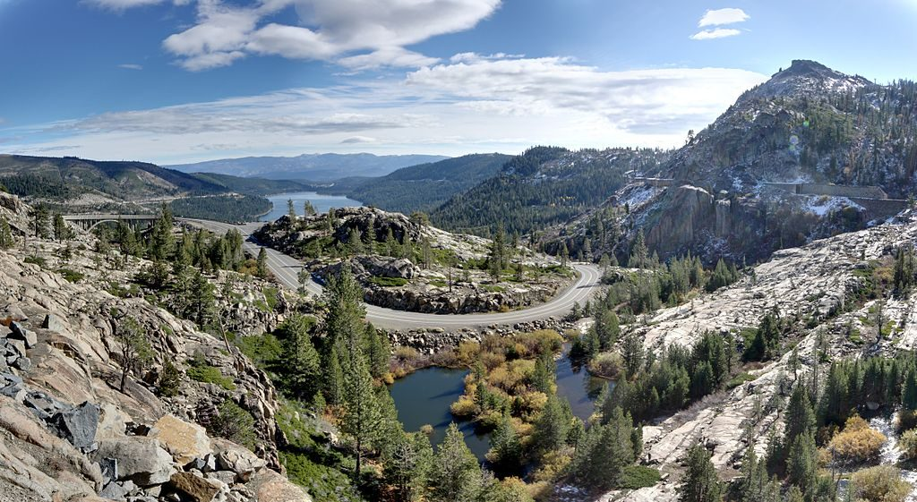 1024px-Donner_Memorial_State_Park_-_Flickr_-_Joe_Parks-1024x561