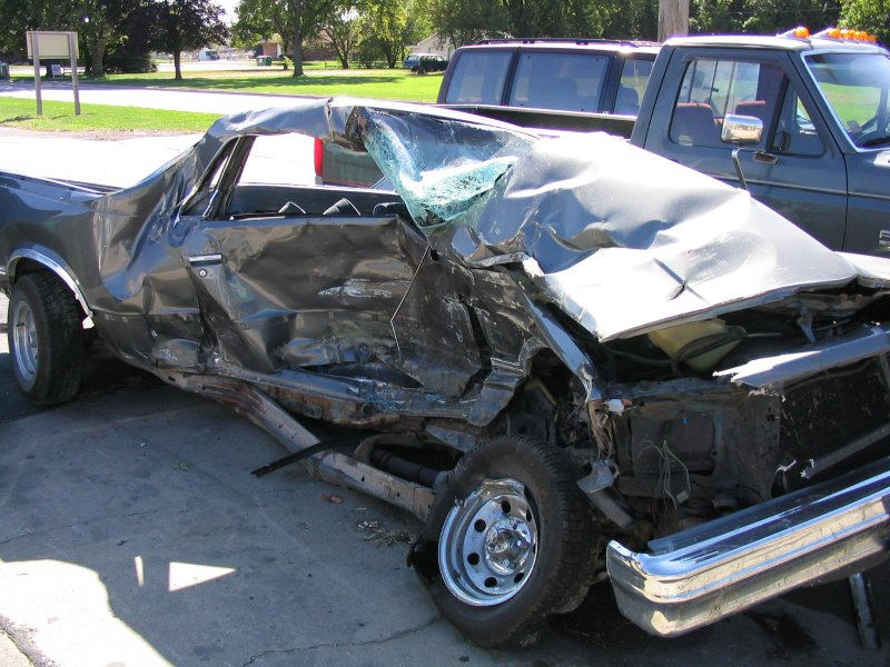 Renal Artery Thrombosis in a Car Accident