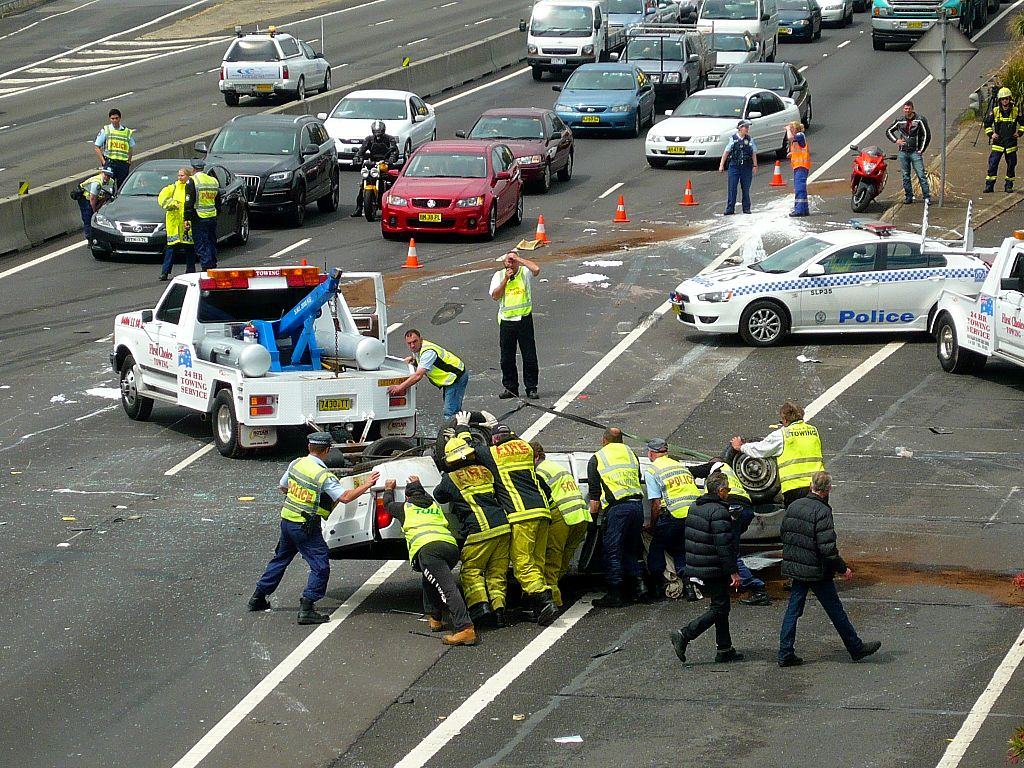 1024px-Multi_vehicle_accident_-_M4_Motorway_Sydney_NSW_8076163011