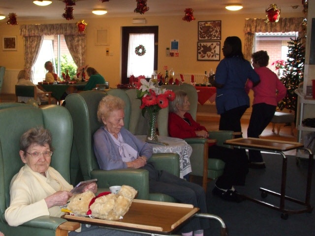 https://www.sacramentoinjuryattorneysblog.com/files/2017/04/Christmas_Day_in_a_nursing_home_-_geograph.org_.uk_-_1091150.jpg