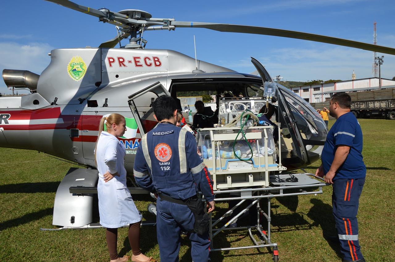 air-rescue-1582337_1280
