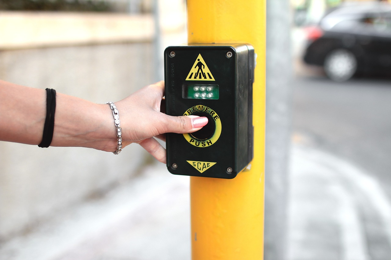 crosswalk-925006_1280