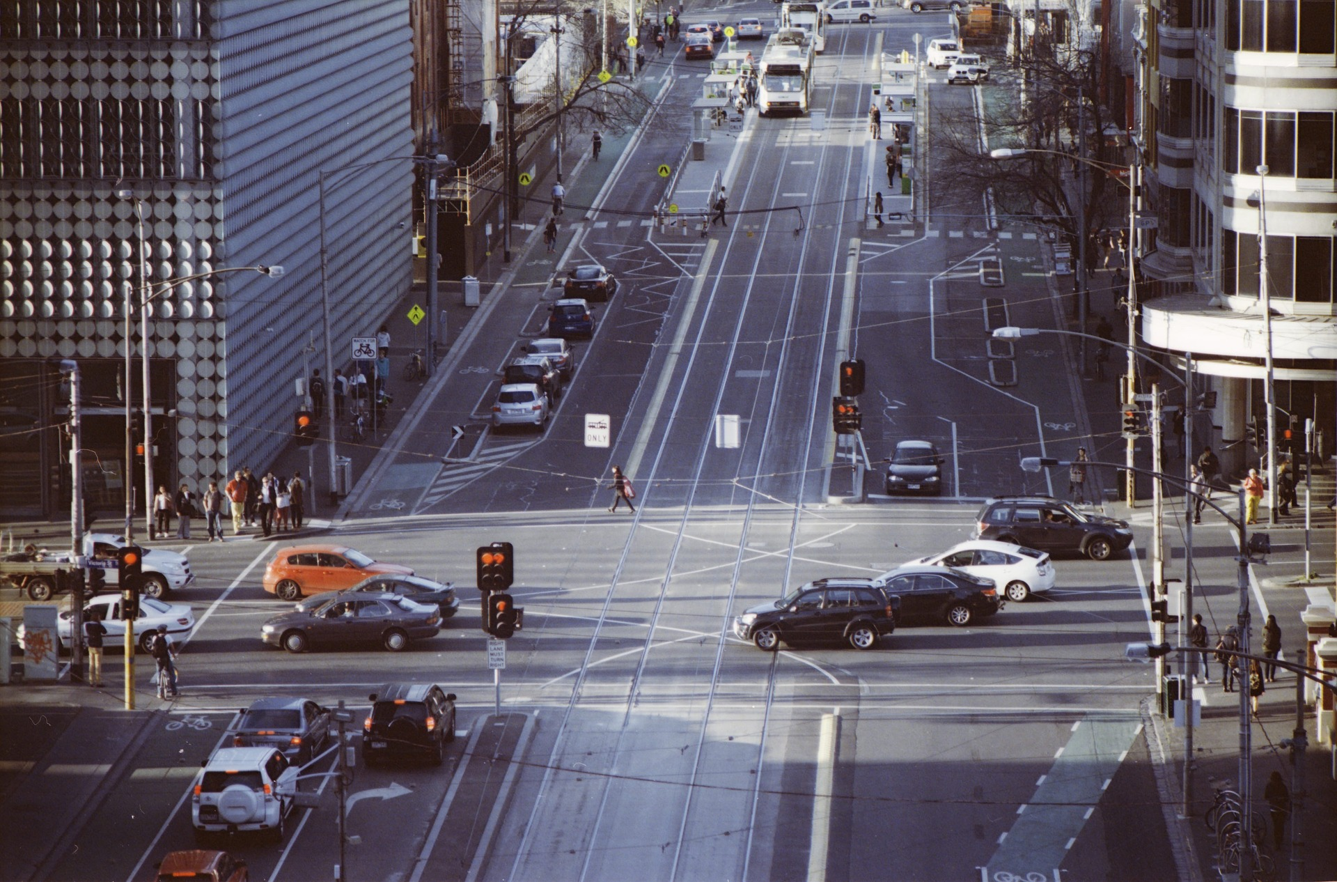intersection-2262239_1920