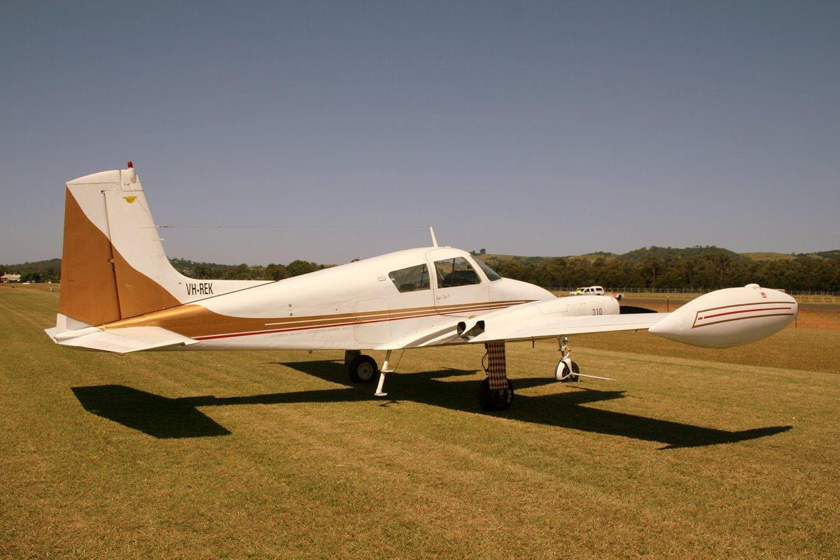 Cessna_310B_VH-REK_at_Illawarra_Regional_Airport