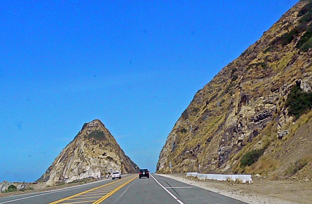 Mugu_Rock_on_California_Route_1-1