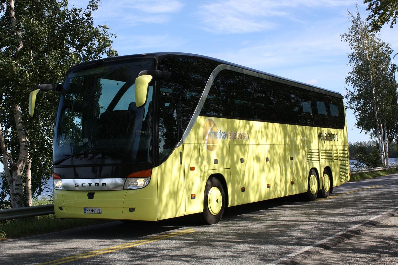 bus-1071944_1280