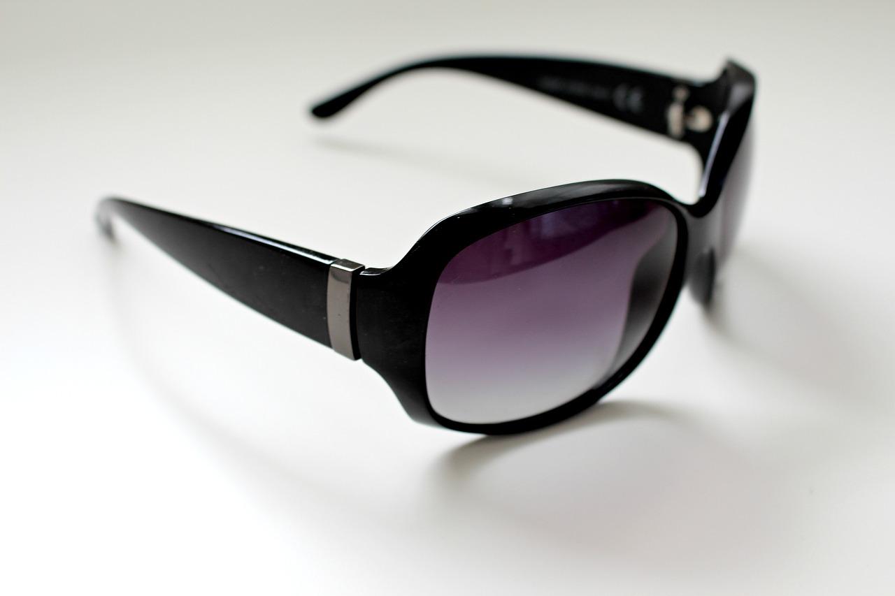 glasses-2465913_1280