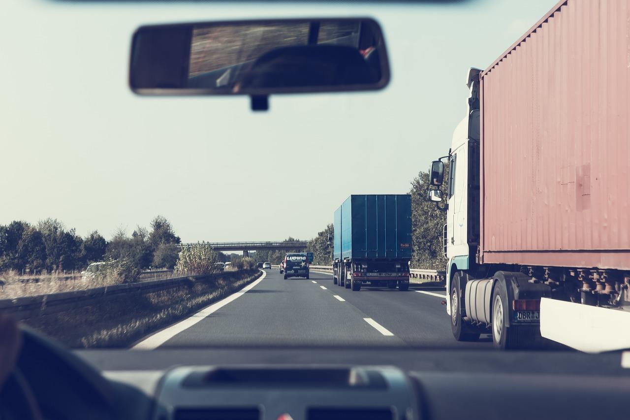 highway-1666635_1280