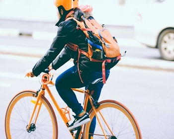 Tips on How Bicycle Riders Can Avoid Risks