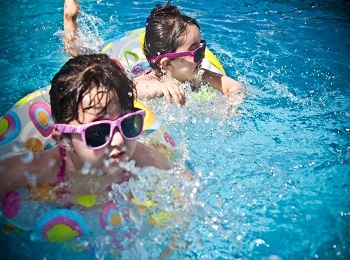Tips on Swimming Pool Safety