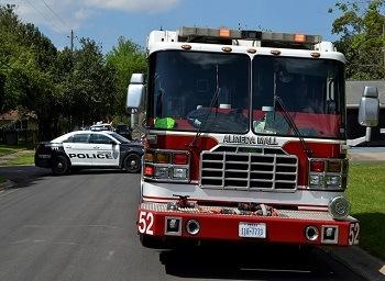 Pickup Leaves After Hitting Gas Pump in Orangevale