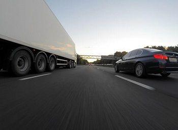 Truck and Multiple Vehicles Crash on Sacramento U.S. 50 West