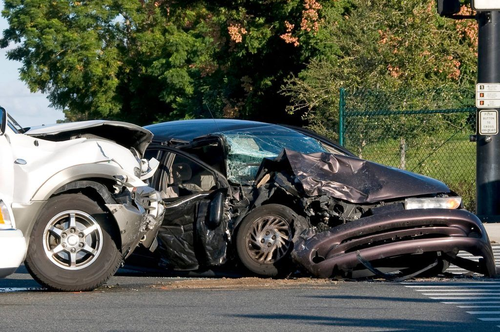 Common Traffic Violations That Cause Auto Accidents