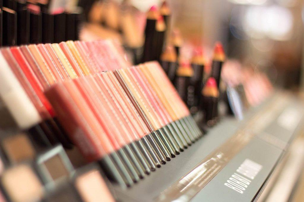 Woman Settles Lawsuit with Sephora