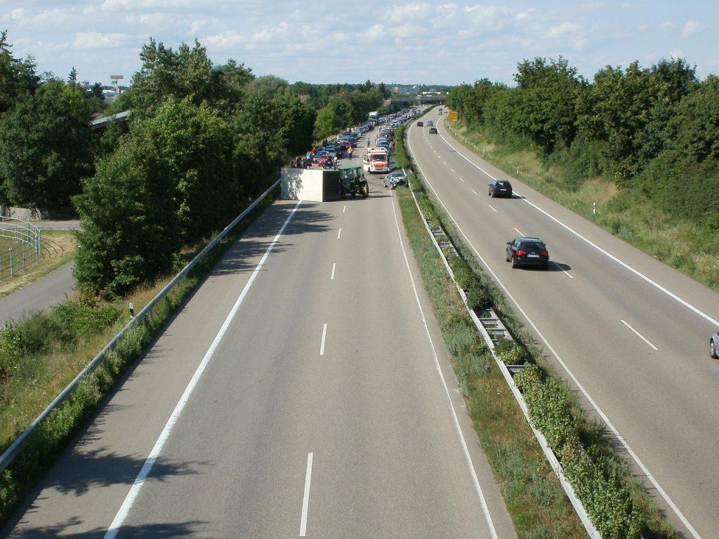 Motorcyclist Killed in Crash on Highway 65