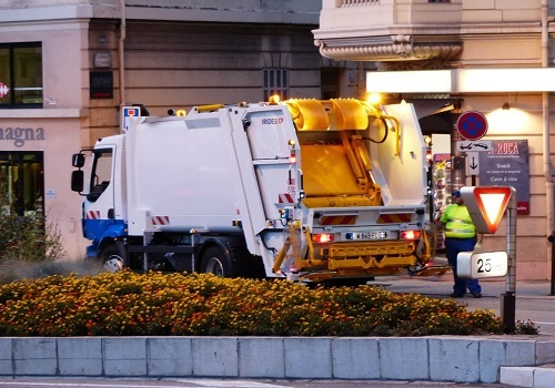 Garbage Truck Loses Control on Interstate 80