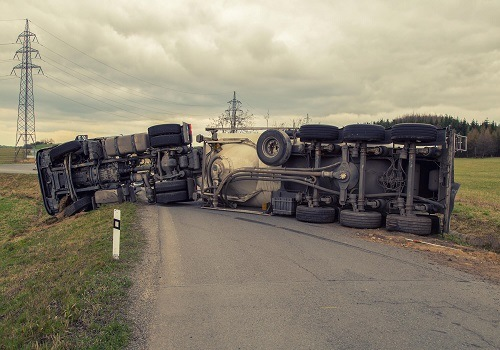 Sacramento Truck Rollover Accident Spills Load of Milk