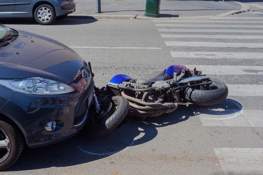 One Hurt in Eureka Motorcycle Accident