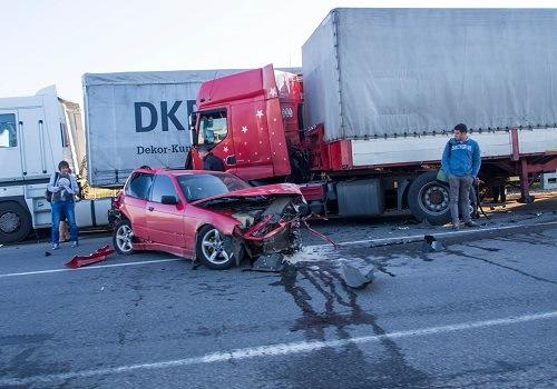 Five Big Rigs Involved in Mateca Truck Accident