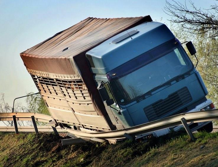 Semi-Truck Crash in Clearlake Causes Injuries
