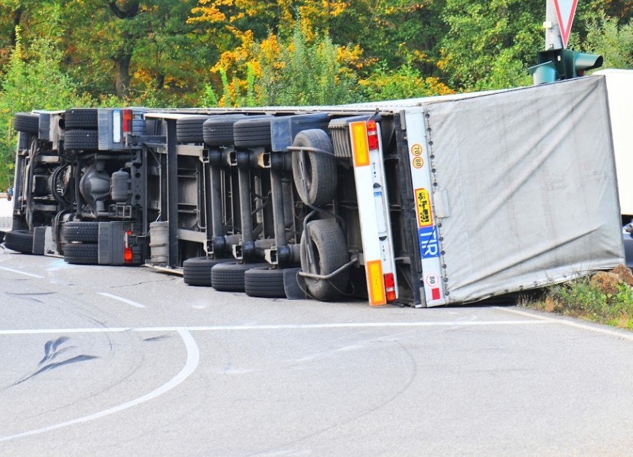 What Causes Truck Accidents In Sutter County?