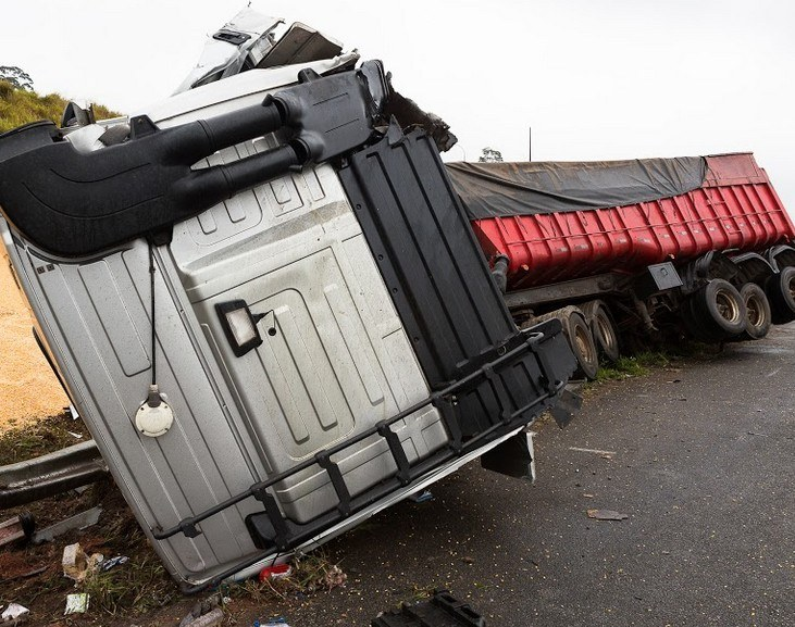 Semi-Truck Rollover in Eureka Hospitalizes One