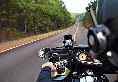 Rider Flees Scene of Motorcycle Crash Caused by Traffic Slowdown