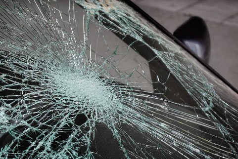 Two Hurt in Woodland Auto Accident