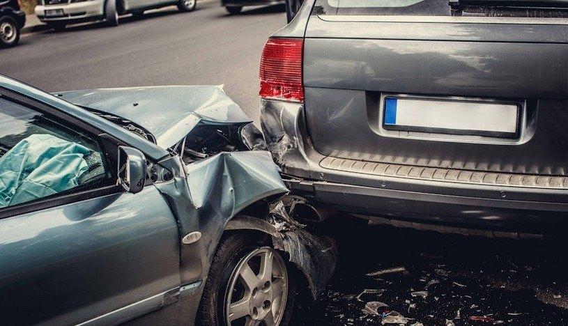 Two People Injured During Fairfield Car Crash
