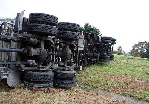 Big Rig Accident Causes Injury in North Highlands