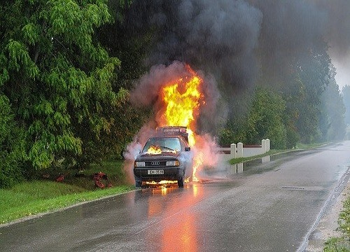 Two-Vehicle Crash Blocks Rio Linda Intersection
